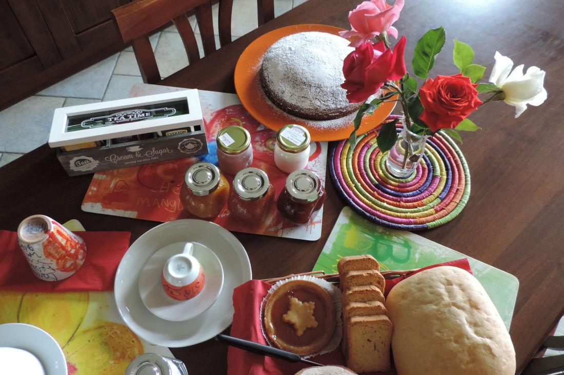 Torta e zucchero a velo