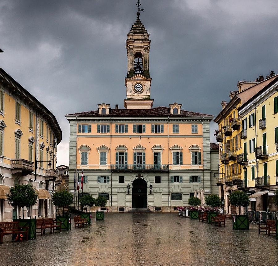 ivrea-piazza-di-citta-Massimo-Trabaldo